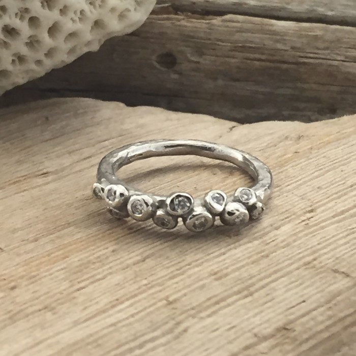 DIAMONDS ANEMONE RING